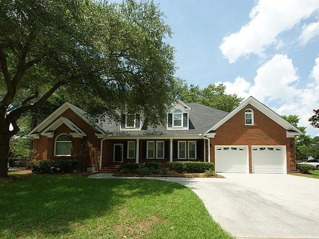 645  Hobcaw Bluff Drive Mount Pleasant, SC 29464