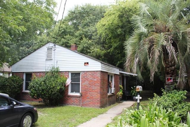 2012 Alton Street North Charleston, SC 29406
