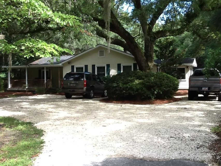 3032  Plowground Road Johns Island, SC 29455