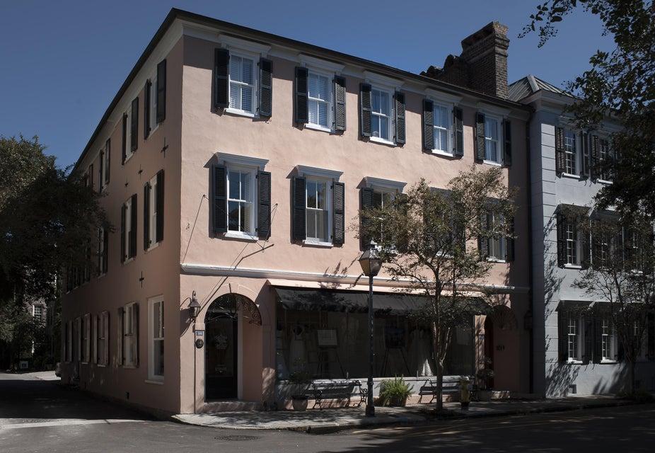 98  Church Street Charleston, SC 29401