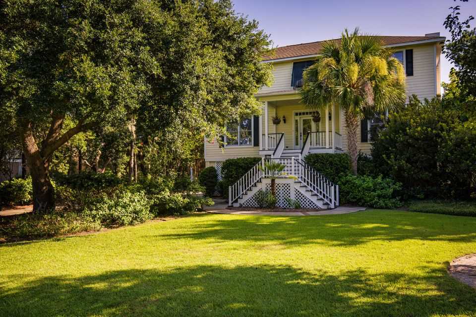 1505  Headquarters Plantation Drive Johns Island, SC 29455