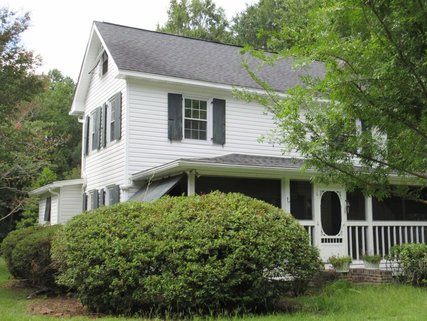 10074 N Carolina Road Mcclellanville, SC 29458
