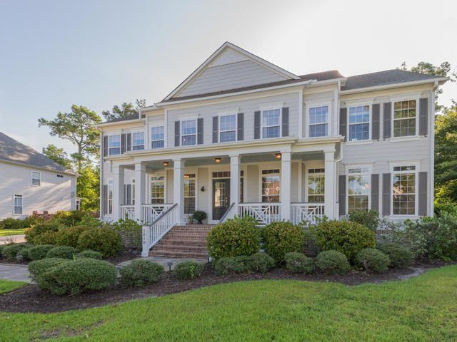 2818  Oak Manor Drive Mount Pleasant, SC 29466