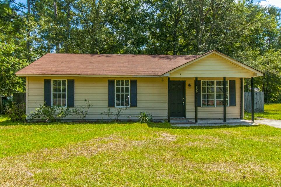 109  Pamela Lane Summerville, SC 29483