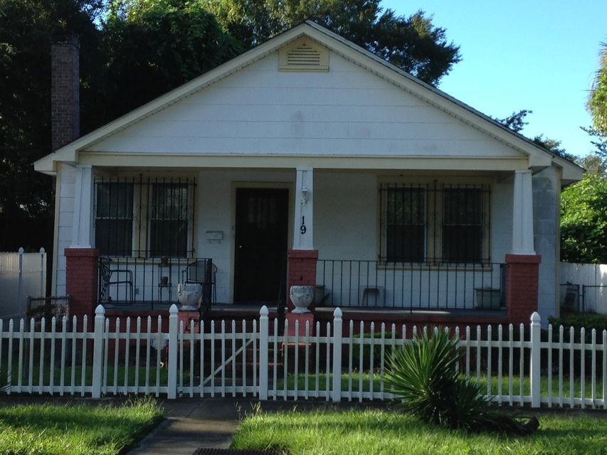 19  Dunnemann Avenue Charleston, SC 29403