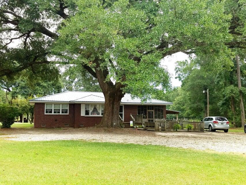1272  Red Oak Road Cottageville, SC 29435