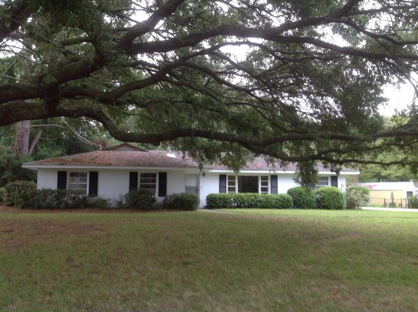 734  Fort Sumter Drive Charleston, SC 29412