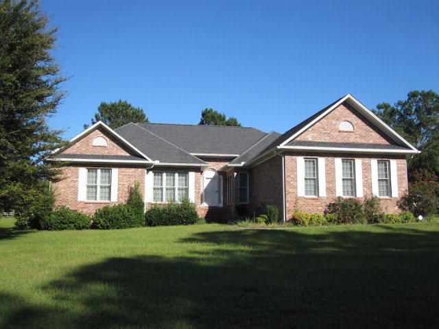 1448  Country Club Circle Manning, SC 29102
