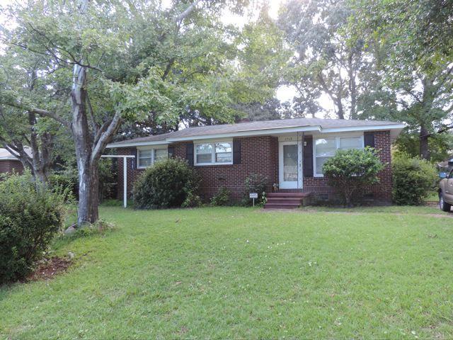 2713  Clarkin Avenue North Charleston, SC 29405