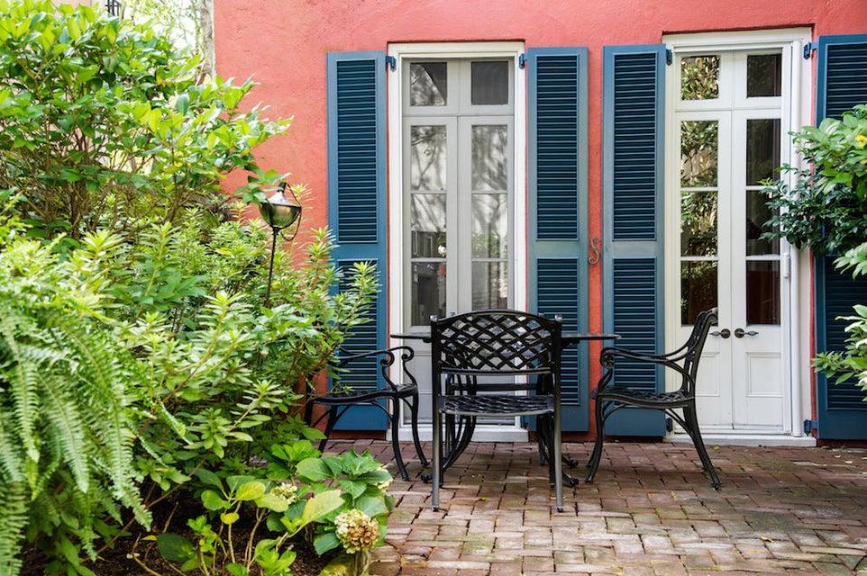 32  Tradd Street Charleston, SC 29401