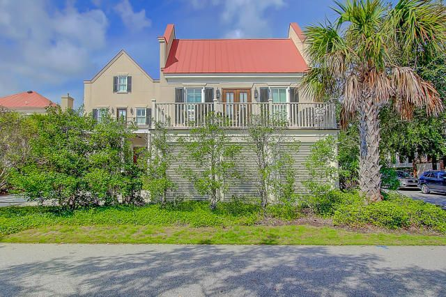 206 N Shelmore Boulevard Mount Pleasant, SC 29464