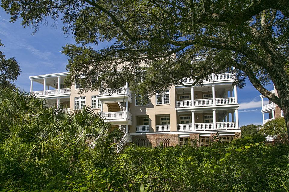 124  Fairbanks Oak Aly Charleston, SC 29492