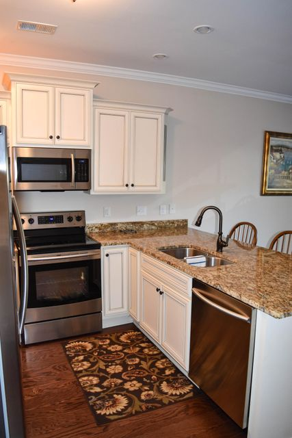 2992  Emma Lane Mount Pleasant, SC 29464