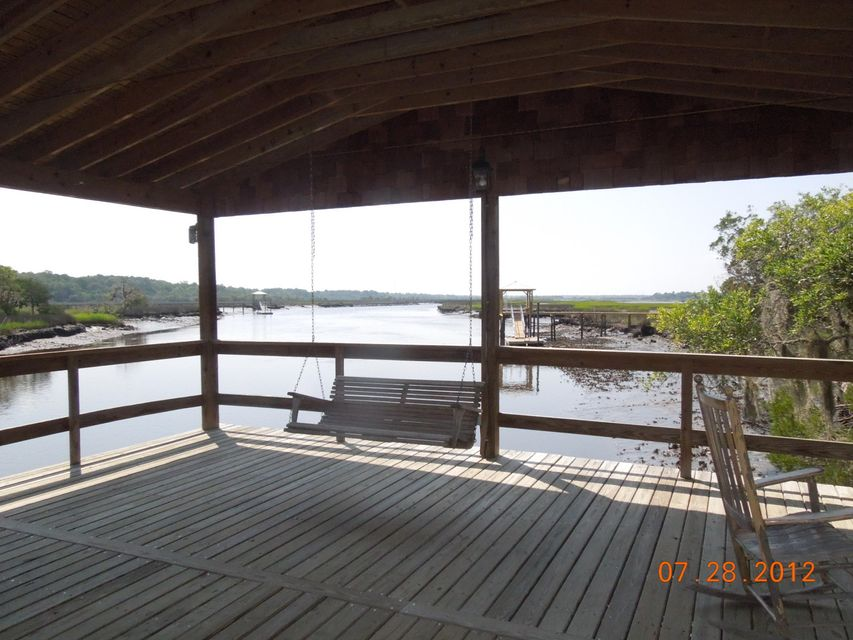 4103  Duck Club Road Ravenel, SC 29470