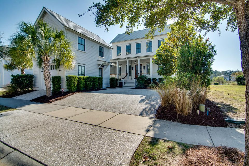 1703 Paradise Lake Drive Mount Pleasant, SC 29464