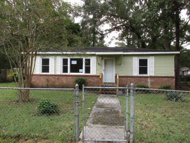 108 Stelling Avenue North Charleston, SC 29420