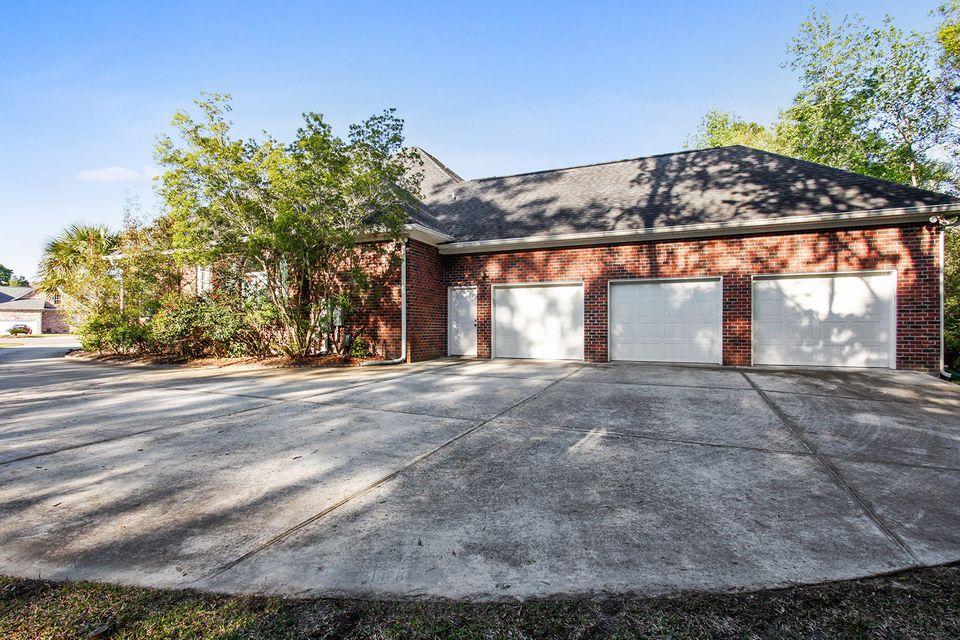 4204  Magnolia Court North Charleston, SC 29420