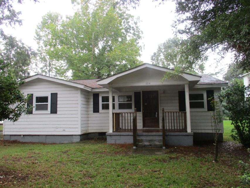 104  Atlantic Street Summerville, SC 29483