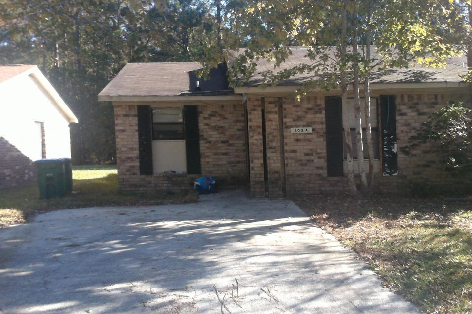 102  Drake Court Summerville, SC 29483