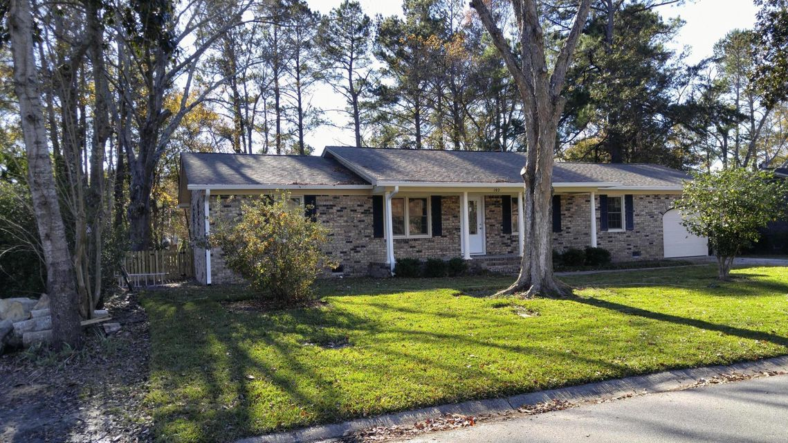 102  Six Iron Lane Summerville, SC 29483