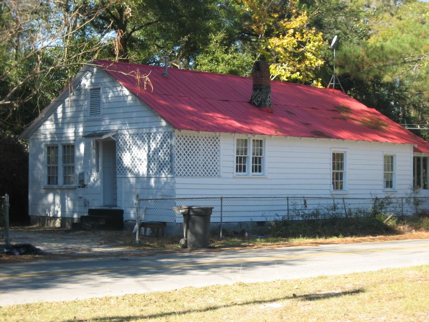 122  Singleton Street Walterboro, SC 29488