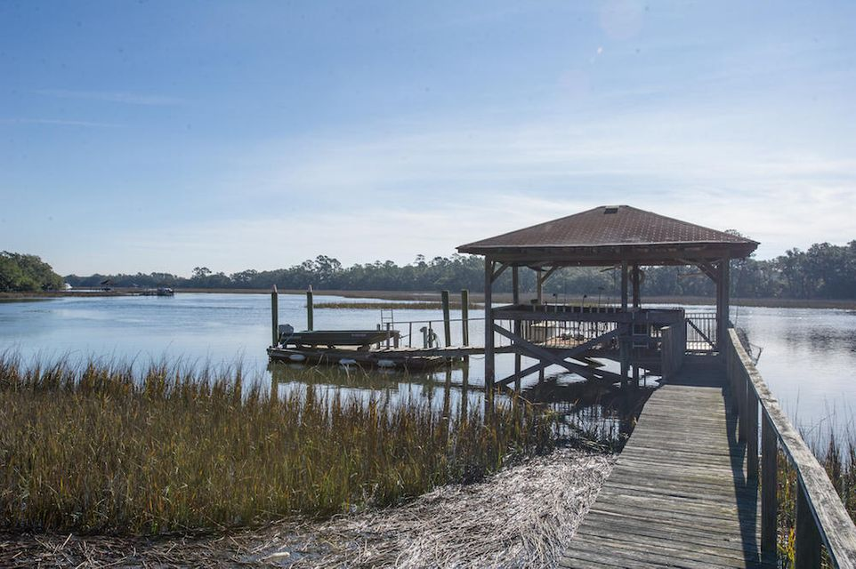 2543 Royal Oak Drive Johns Island, SC 29455
