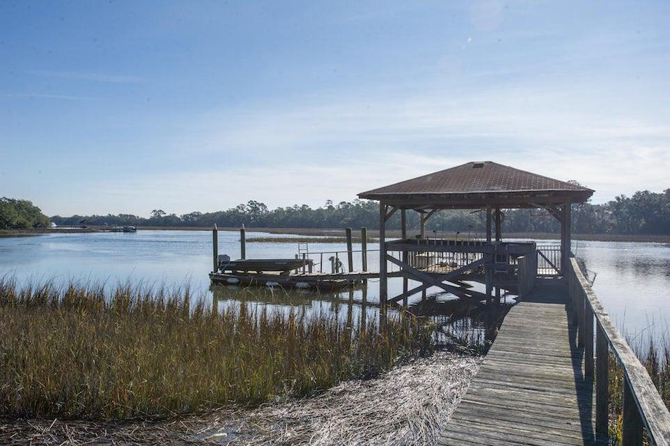 2543  Royal Oak Drive Johns Island, SC 29455