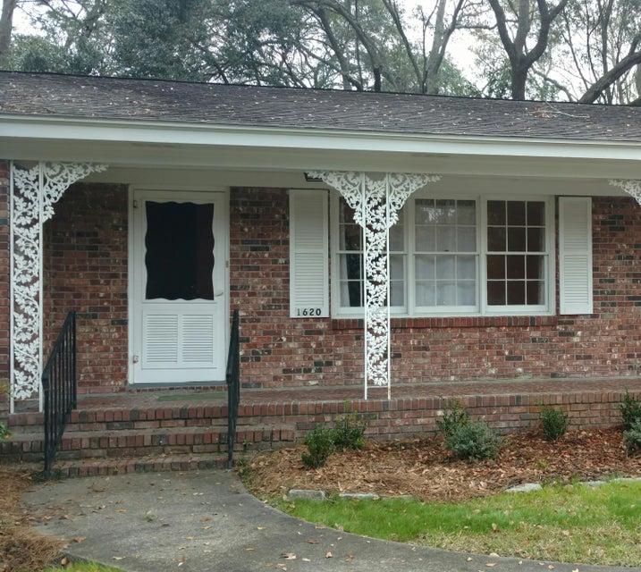 1620  Amberly Road Charleston, SC 29407