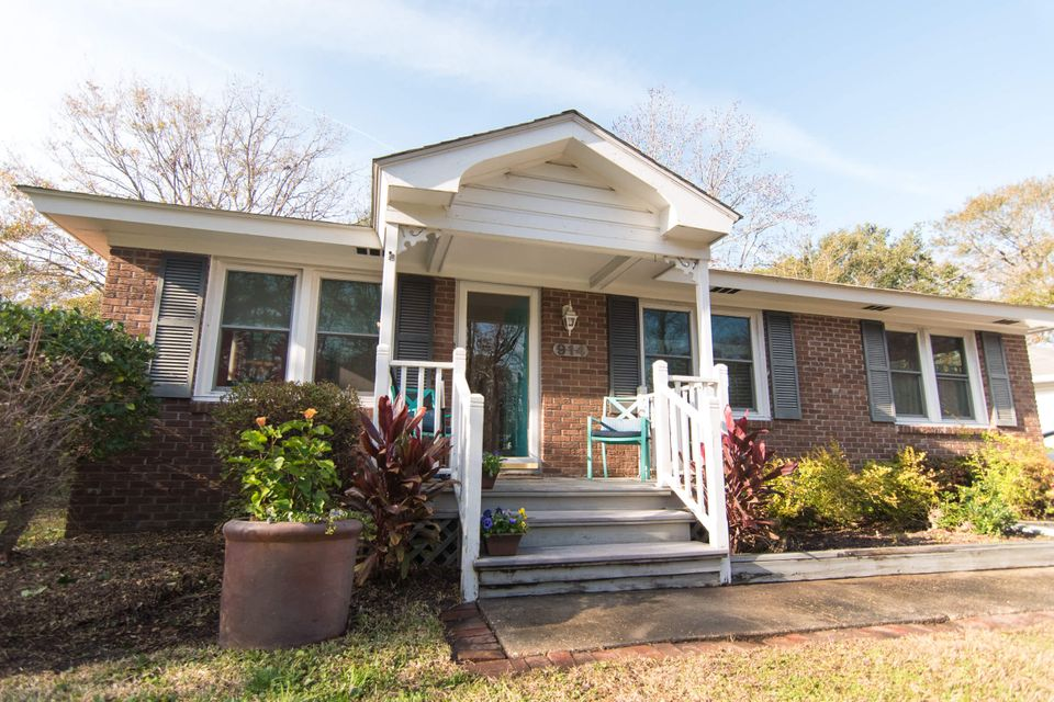 914  Center Street Mount Pleasant, SC 29464