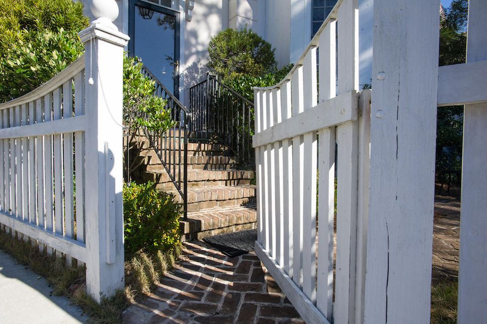 72 Sowell Street Mount Pleasant, SC 29464