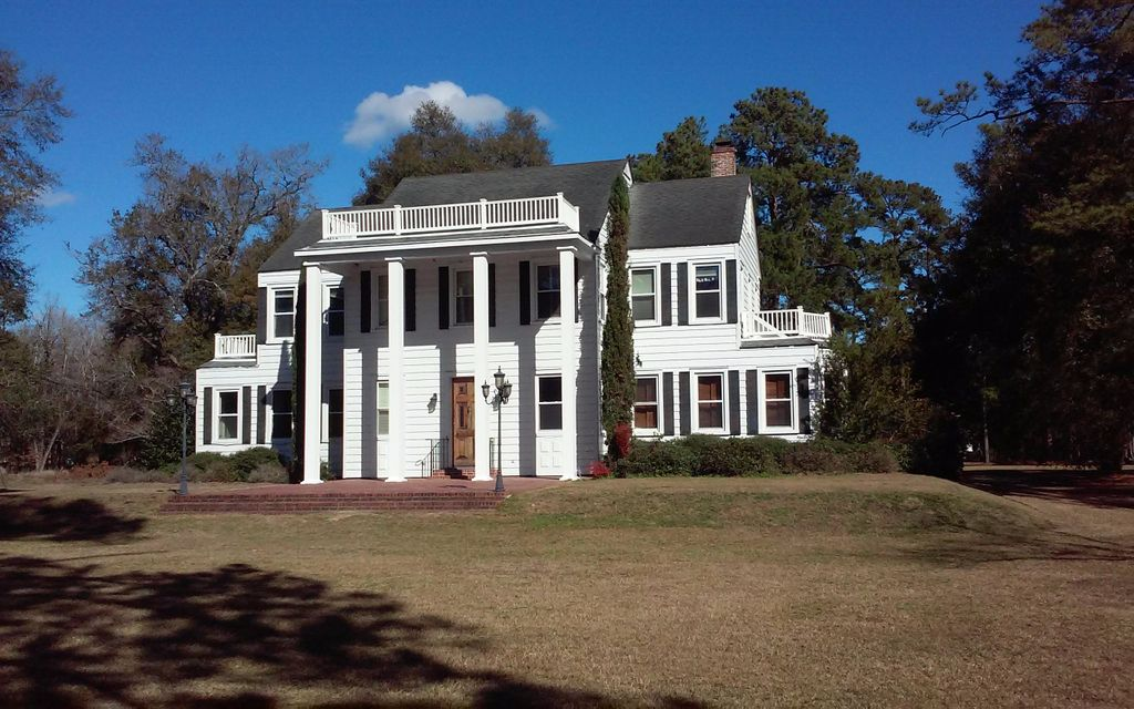 8011 Old State Road Holly Hill, SC 29059