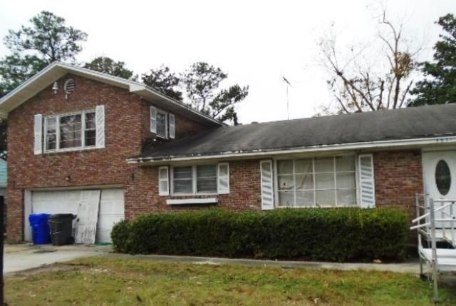 5631  Blackwell Avenue North Charleston, SC 29406