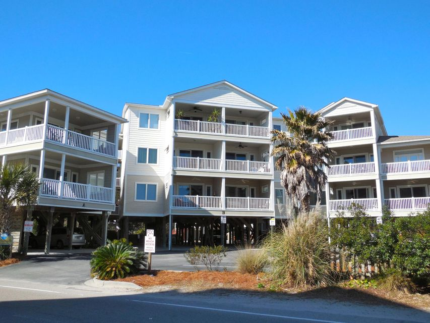 117 W Ashley Avenue Folly Beach, SC 29439