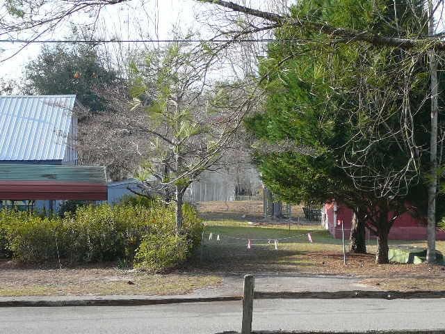 321  Fountain Lake Drive Eutawville, SC 29048