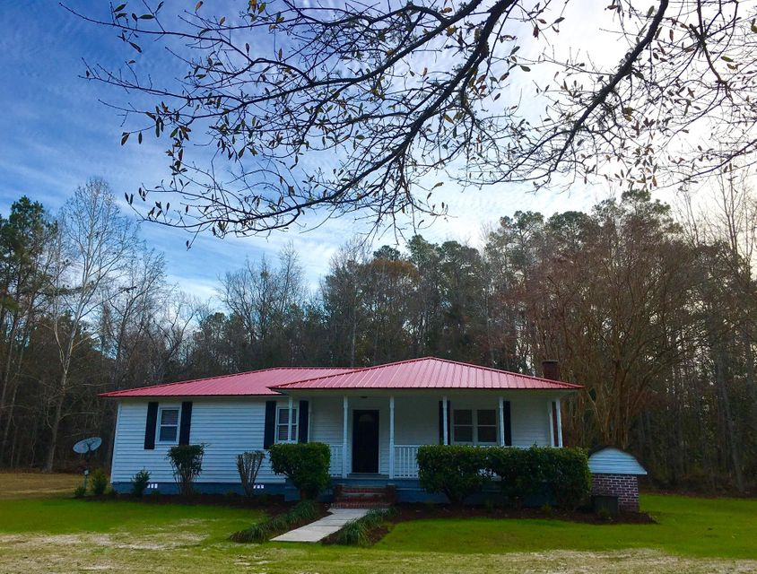 1332  Red Oak Road Cottageville, SC 29435