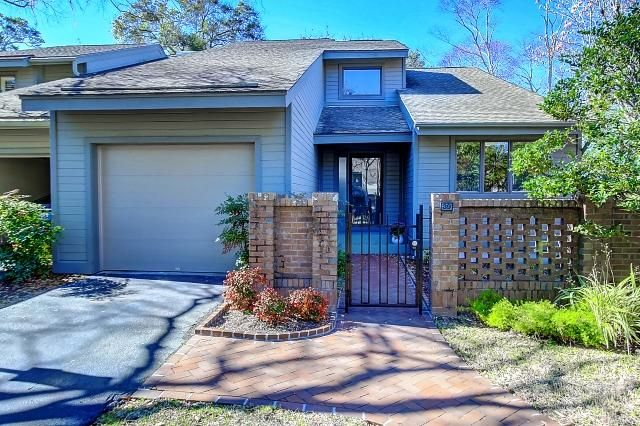 39  Wappoo Creek Place Charleston, SC 29412