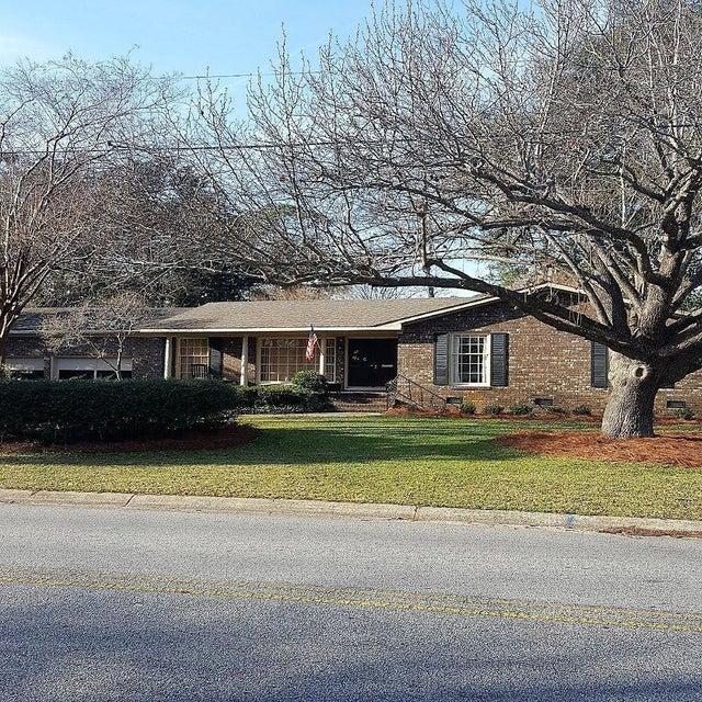 981  Cottingham Drive Mount Pleasant, SC 29464