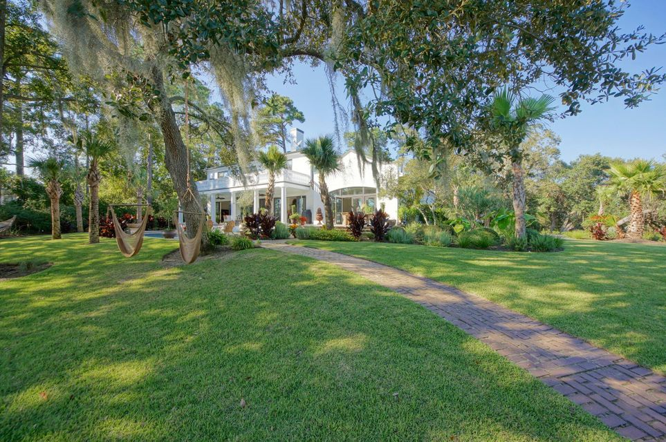 216 Molasses Lane Mount Pleasant, SC 29464