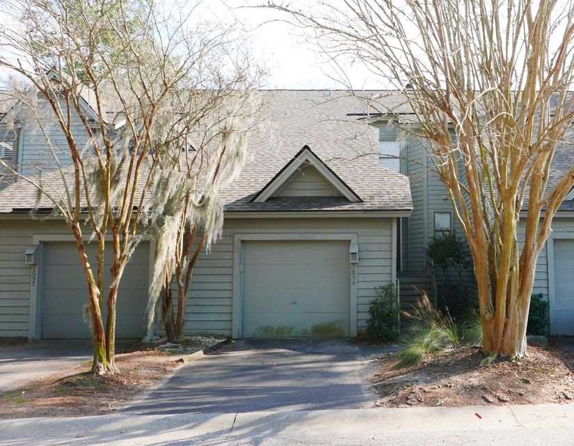 1054  Marsh Court Lane Mount Pleasant, SC 29464