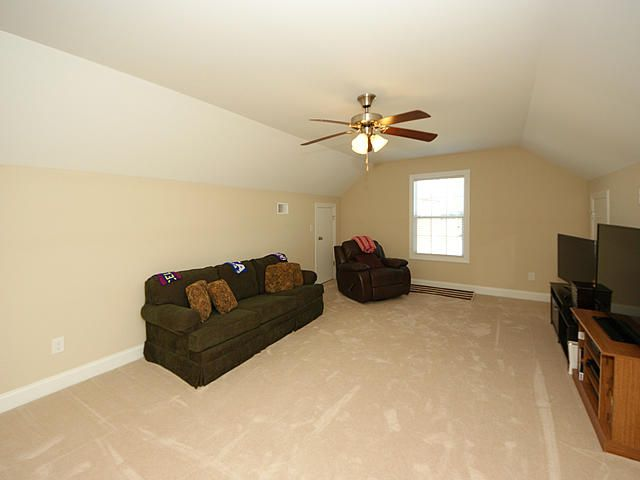 8734 Alexandria Drive North Charleston, SC 29420
