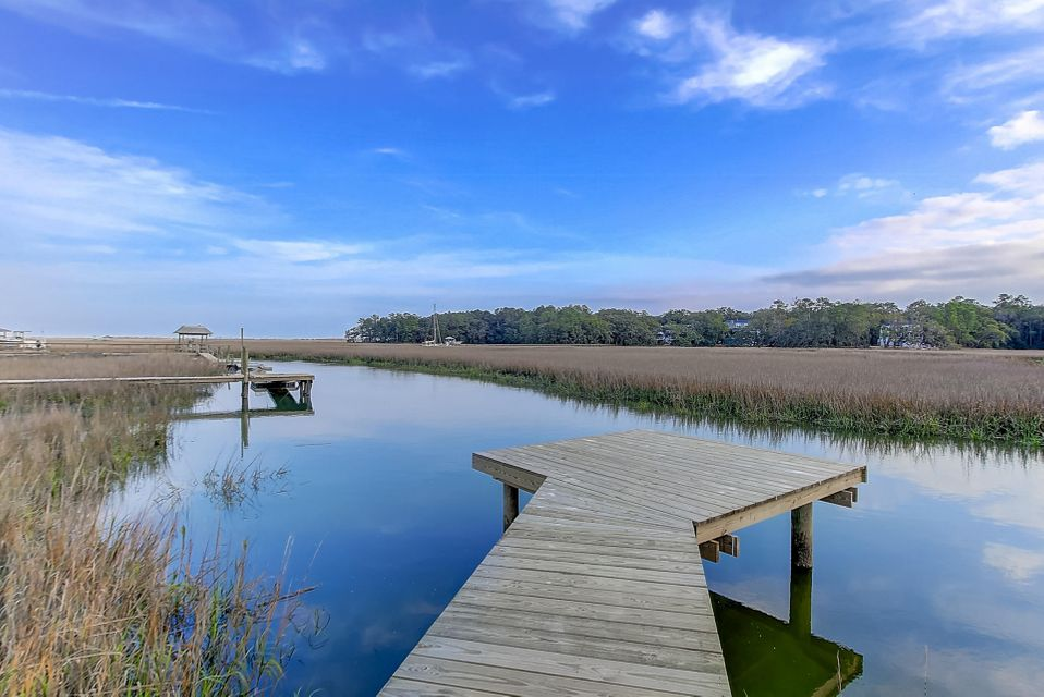 678 Marsh Point Drive Charleston, SC 29412