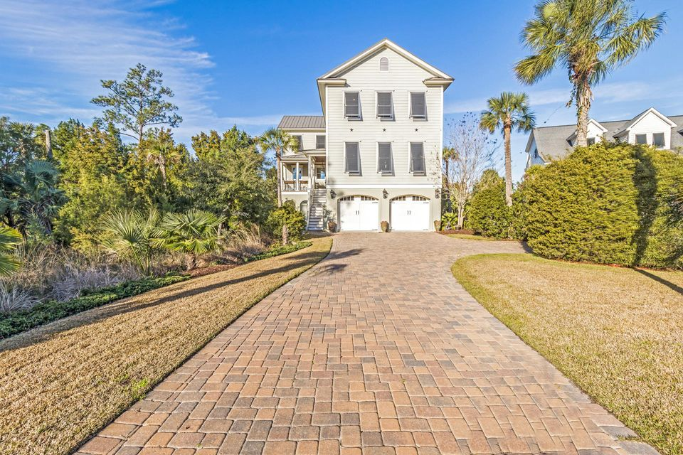 2753  Oak Manor Drive Mount Pleasant, SC 29466