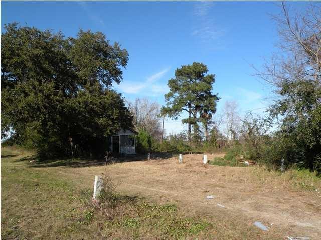 2176  Richardson Avenue Charleston, SC 29412