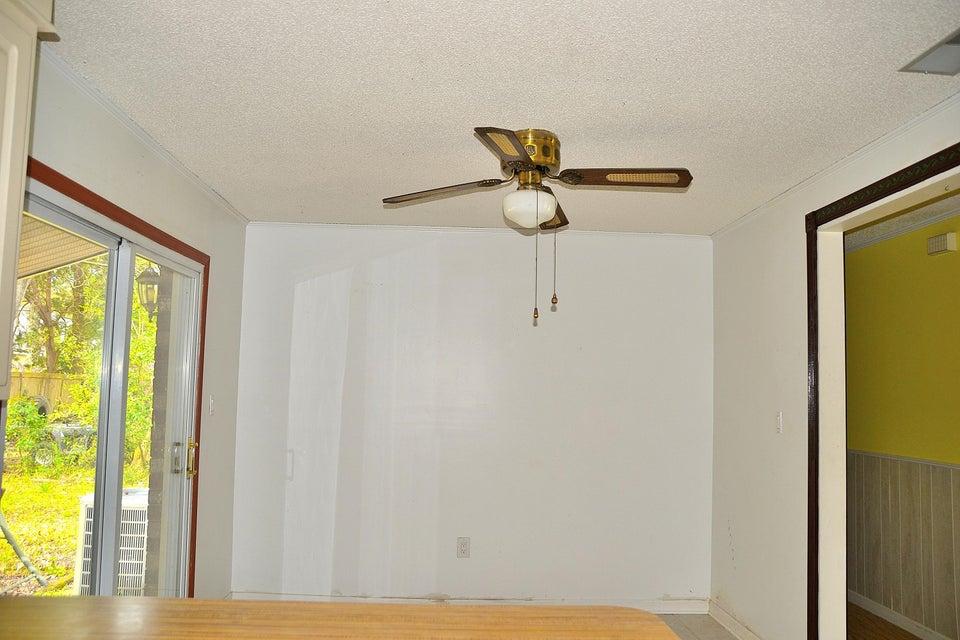 893  Randall Drive Mount Pleasant, SC 29464