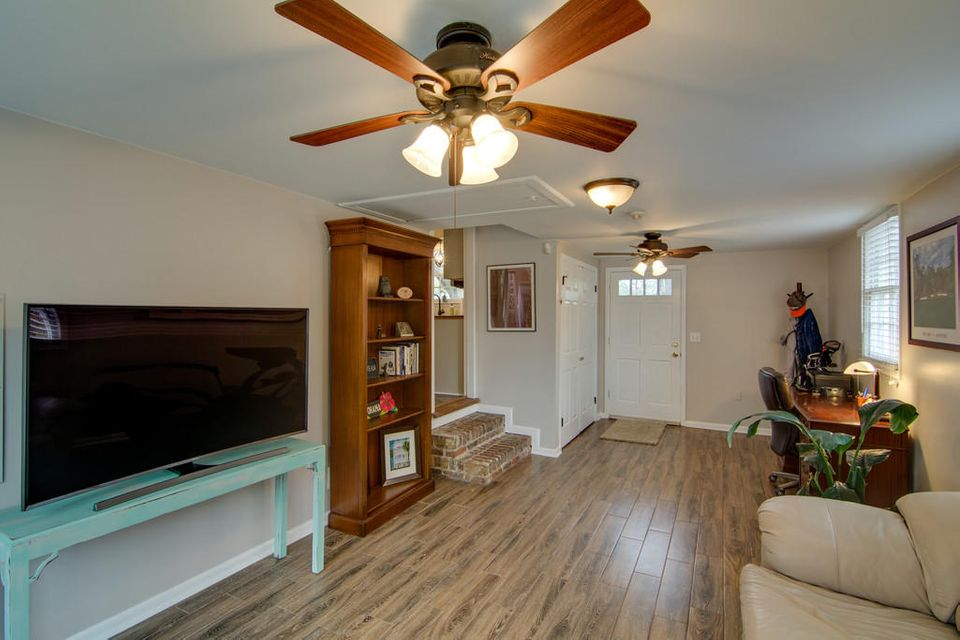 1264  Marvin Avenue Charleston, SC 29407