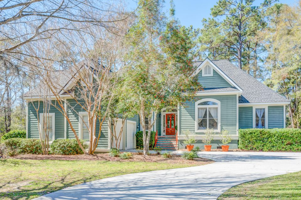 610  Chimney Bluff Drive Mount Pleasant, SC 29464