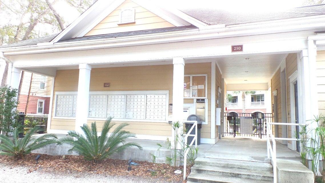 300 Bucksley Lane Charleston, SC 29492