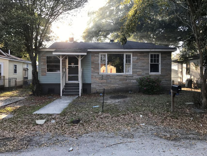 2722 E Surrey Drive North Charleston, SC 29405