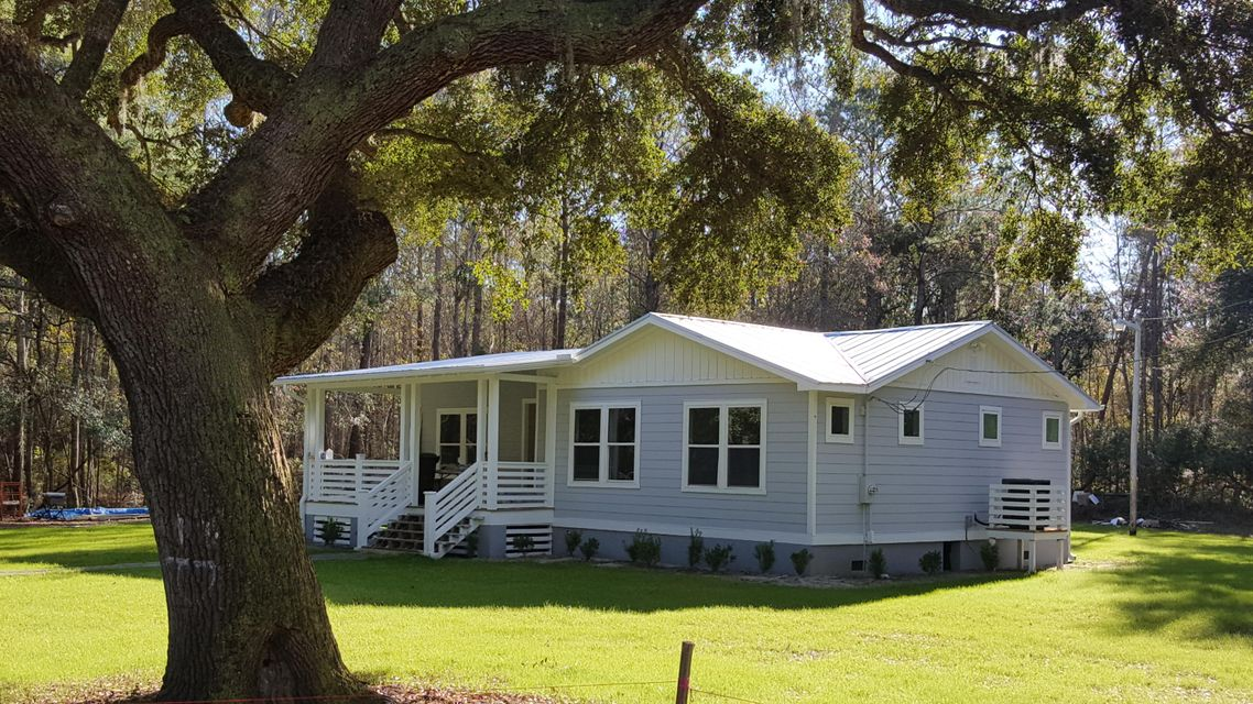 1033  Milcrest Drive Awendaw, SC 29429