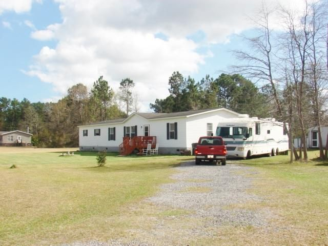 323 Volunteer Lane Summerville, SC 29486